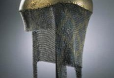 04-Helmet_with_chain_mail_neckguard